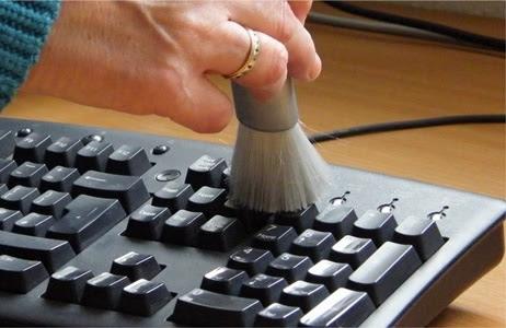 Limpando o teclado do computador