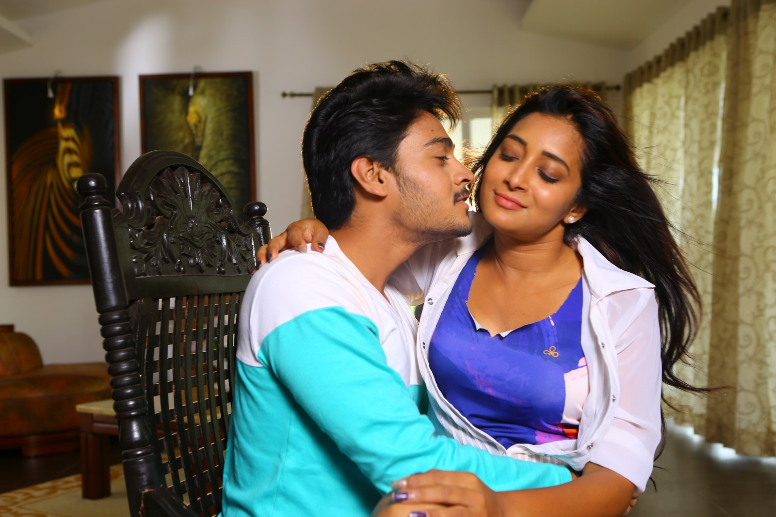 Iddari madhya 18 Movie stills-HQ-Photo-1