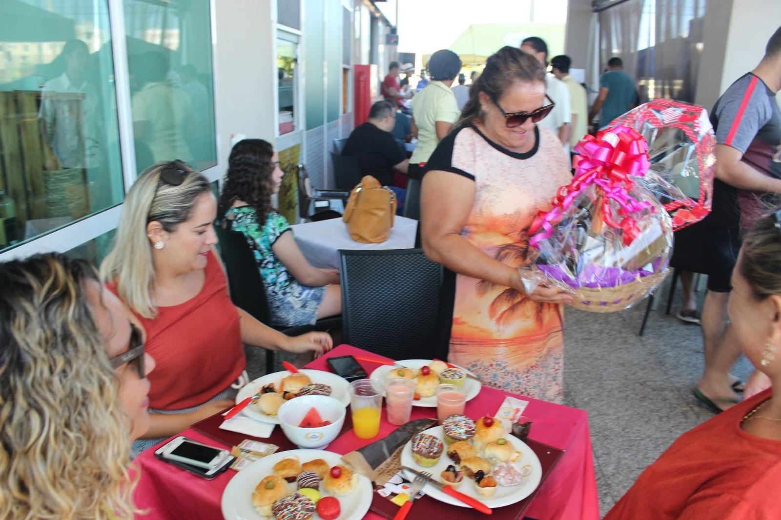 IMG 3660 - Dia 12 de maio dia das Mães no Jardins Mangueiral foi com muta diverção e alegria com um lindo café da manha