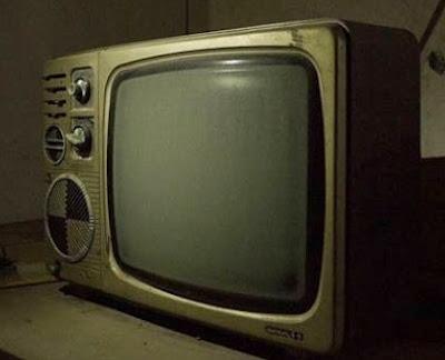 televisor-blanco-negro