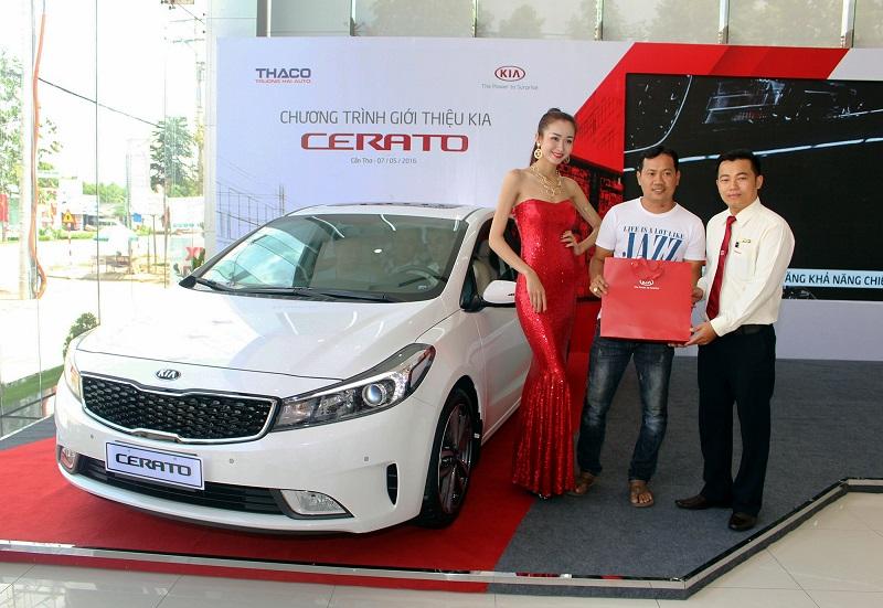 Cần bán xe Kia Cerato 1.6AT 2016, màu trắng giá bán tốt nhất Hà Nội