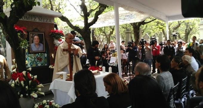 Con emotiva misa recuerdan a 'Chespirito' tras un año de su muerte