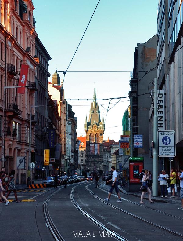 Pasear por Praga. Viajaetverba