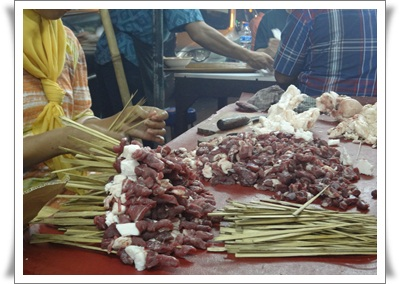 http://www.khairunnisahamdan.com/2013/09/trip-to-jakarta-tempat-makan-best-di.html
