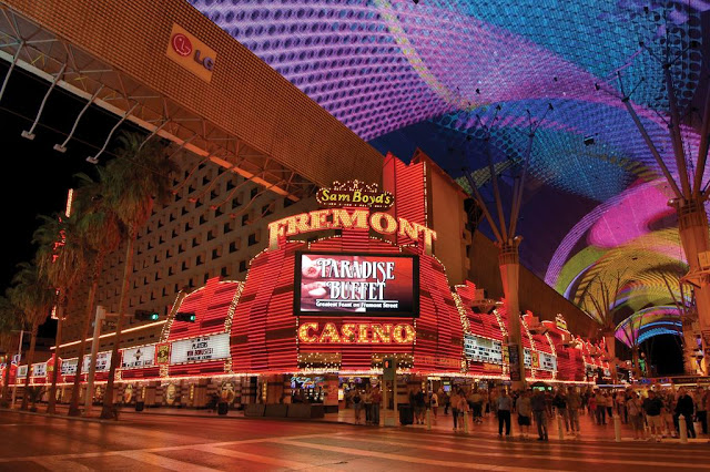 Located in the heart of the Fremont Street Experience in downtown Las Vegas, the Fremont Hotel & Casino offers a comfortable stay and lively entertainment.