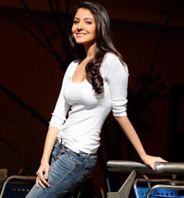 Actress Anushka Sharma hot beautiful Photos