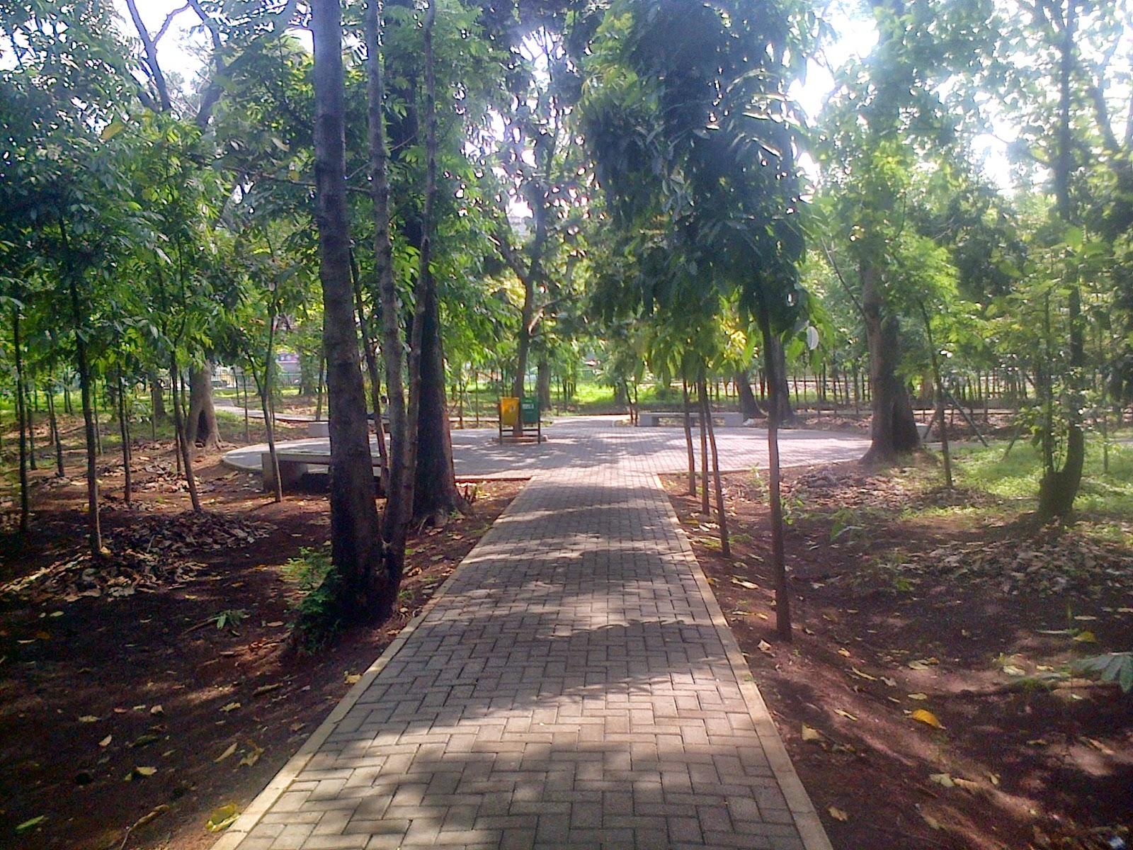 Bang Imam Berbagi Taman Hutan Kota Bina Bangsa Bekasi