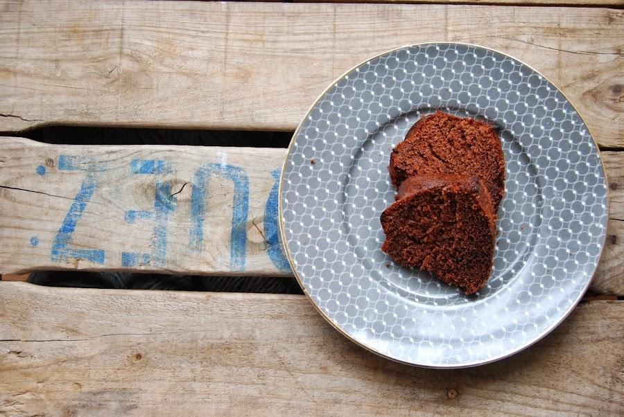 bizcocho de chocolate fácil para hacer con niños