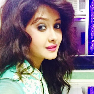 Kanchi Singh images, age, hd wallpaper, instagram, twitter, rohan mehra, family, in saree, hairstyle, haircut, mishkat varma, facebook, boyfriend, education,in jeans,namish taneja,in kasam se