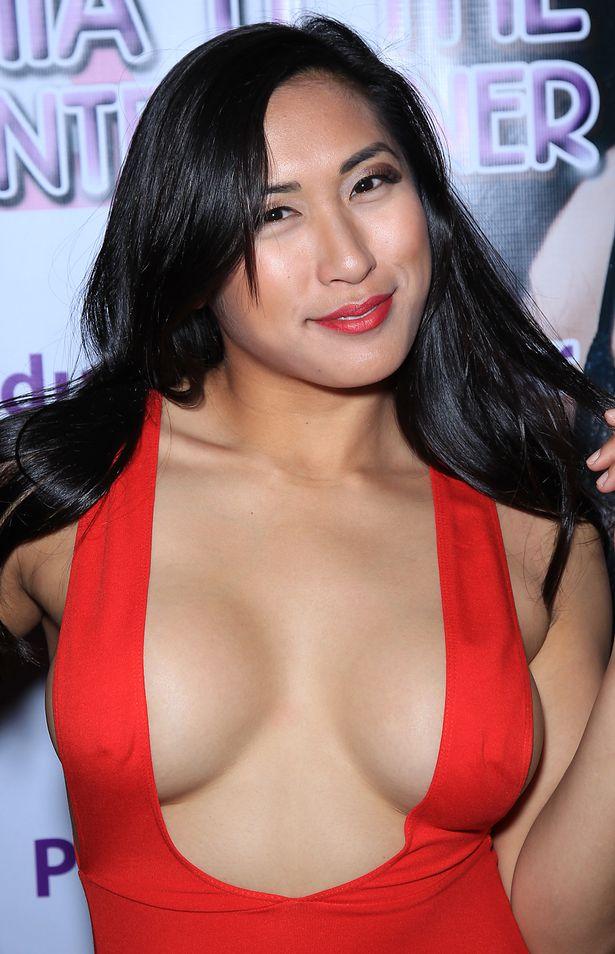 Mia Li Nude Photos 37