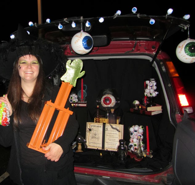 CONTROLLING Craziness: DIY Halloween Trophies for Trunk or ...