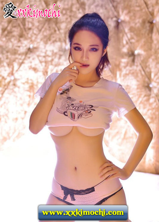 Foto Model Seksi dan Hot Asal China Gui Jing Jing 15