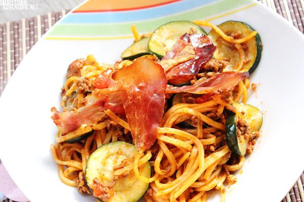 Nudelpfanne, schnelle Gerichte, Rezept Nudelpfanne, Zucchini, Hackfleisch, Italienische Nudelpfanne, Foodblogger, Sommerküche