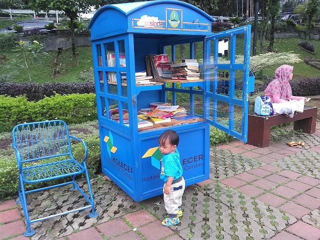 Kotak Literasi Cerdas (Kolecer) di Lapangan Sempur Kota Bogor
