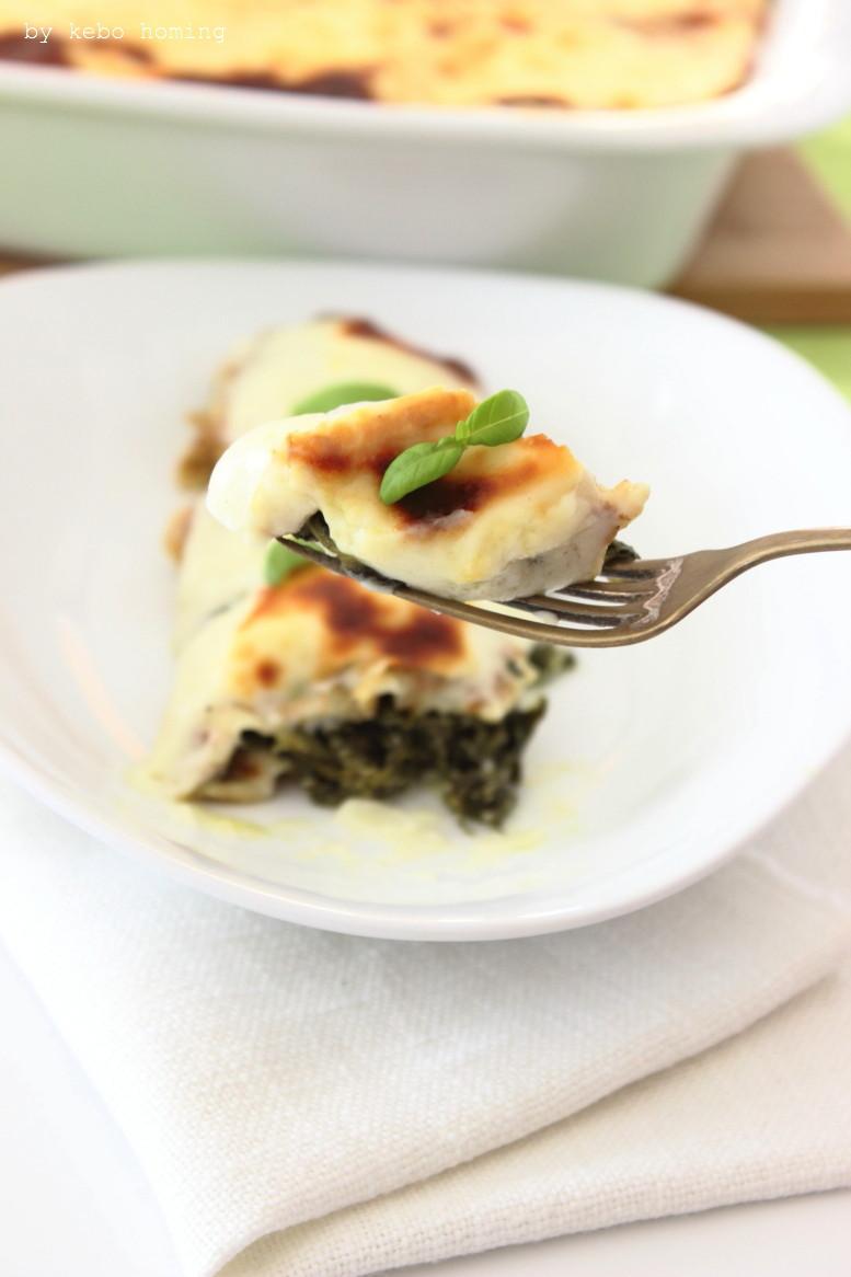 Crespelle farcite, Mit Spinat und Ricotta gefüllte Pfannkuchen, mit Béchamel überbacken bzw. gratiniert, Rezept bei Südtiroler Food- und Lifestyleblog kebo homing, Foodstyling und Fotografie