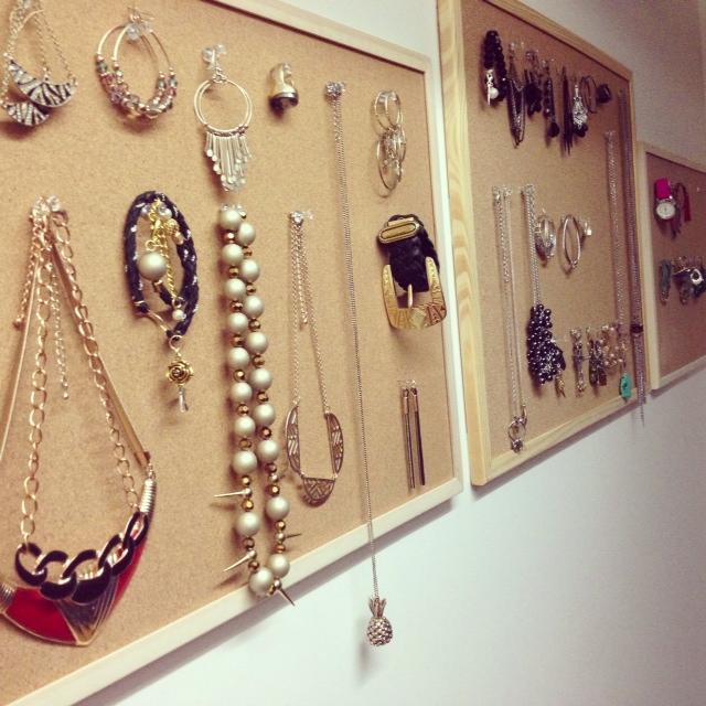 Porte bijoux m ga facile fabriquer styliste pour emporter - Porte collier mural ...