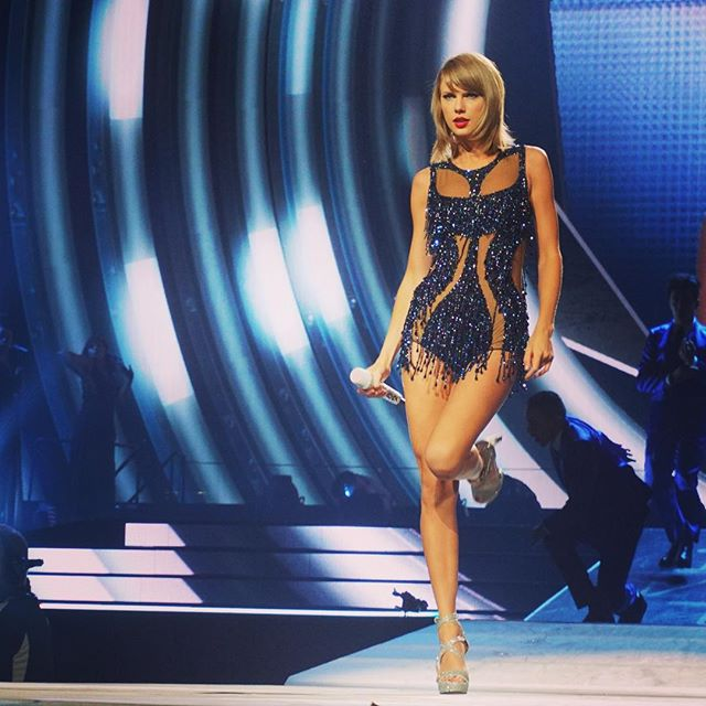 Taylor Swift Thanks for an excellent night, St. Louis! See you again tomorrow night!!!
