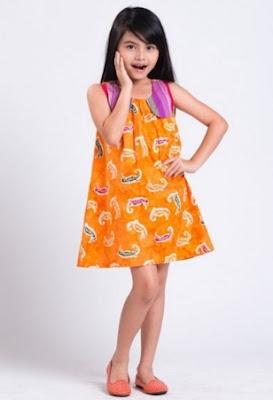 contoh baju batik anak perempuan