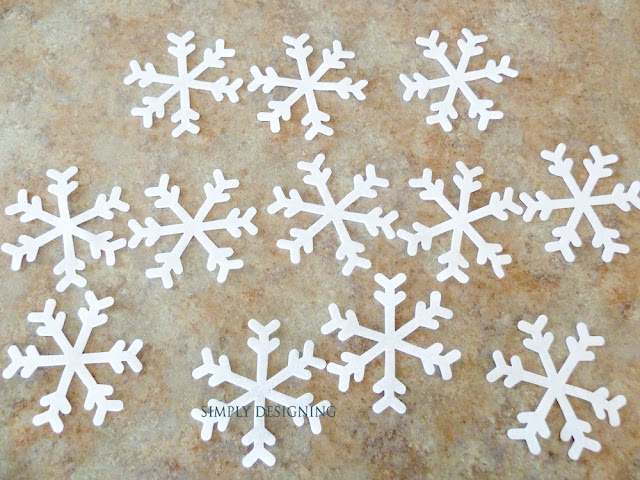 Felt Snowflakes | #winter #christmas #holiday #craft #sizzix #snowflakes