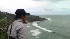 Pesona Wisata Pantai Menganti Kebumen
