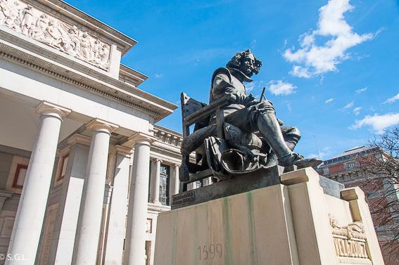 Estatua de Velázquez en el Museo del Prado. Redescubre Madrid