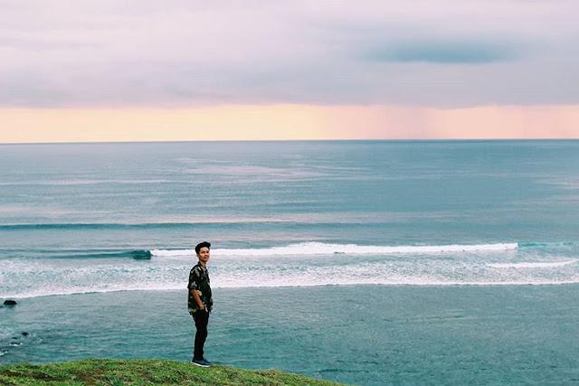 Pemandangan dari bukit Merese Lombok, sumber ig@thx_insomnia
