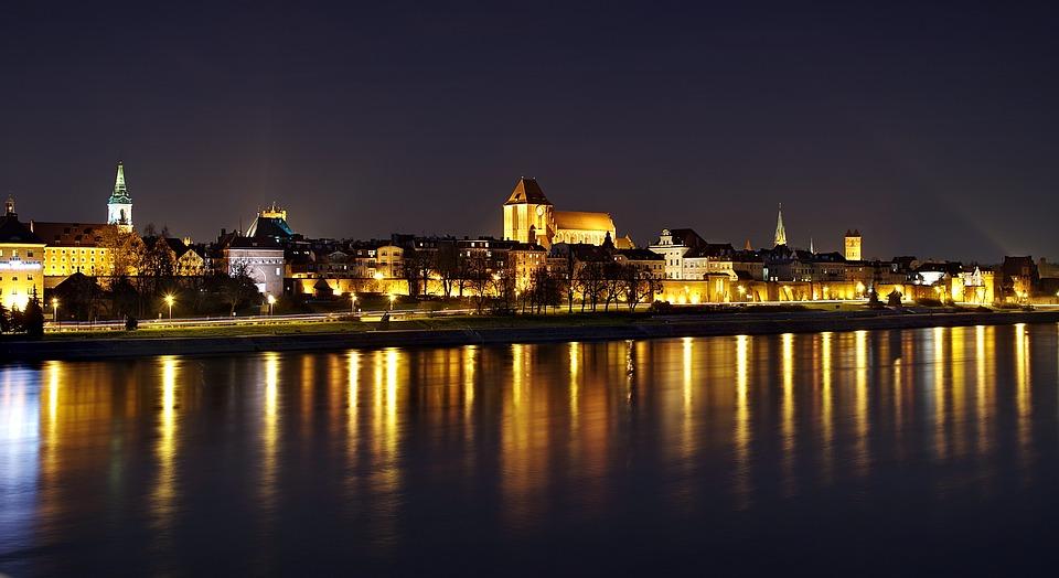 Toruń, panorama nocą