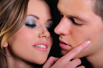 Bạn có thể bói nụ hôn qua tính cách