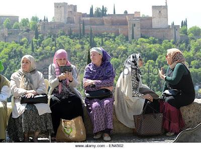 Banyak Perempuan Spanyol Tertarik masuk Islam
