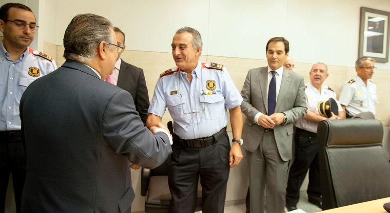 El ministerio del interior toma el control de los mozos for L ministerio del interior
