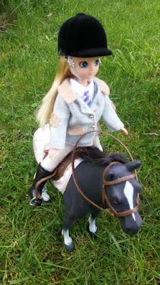 poupee lottie cheval 2