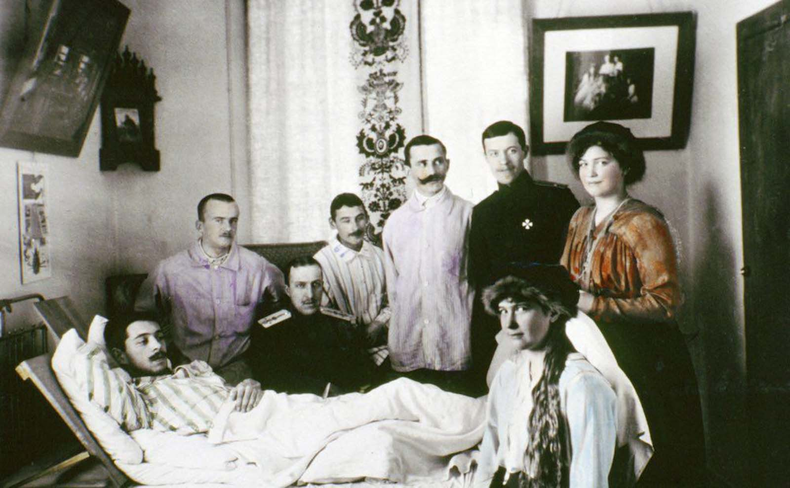 Anastasia and Maria visit wounded soldiers in hospital during World War I.