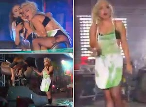Lady Gaga can be fully puke on stage [video]