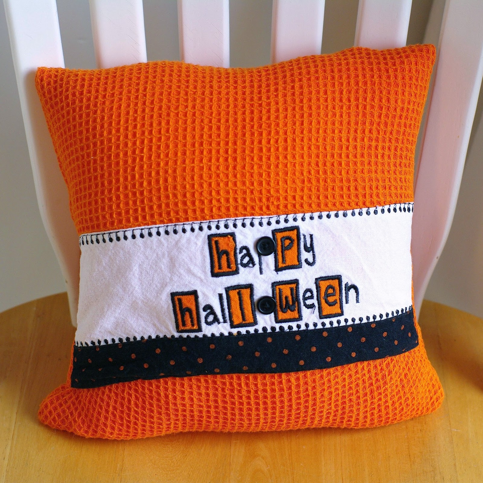 Sew Sweet Vintage: doily pillow, pocket pillow covers