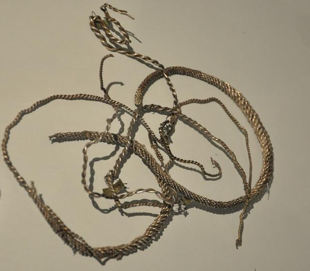 Srebrne grzywny pochodzące ze skarbu wczesnośredniowiecznego z Lisówka