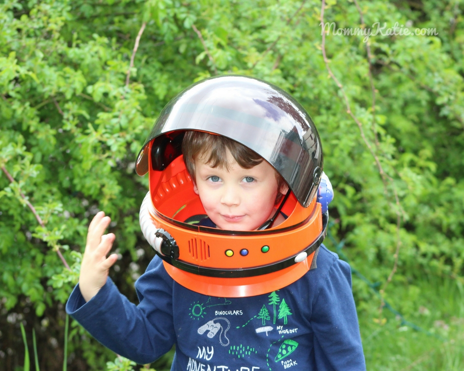 Kids Astronaut Helmet with Sound from Aeromax Toys