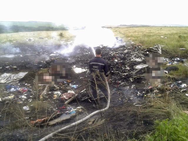Gambar dan Video MH17 Terhempas di Ukraine