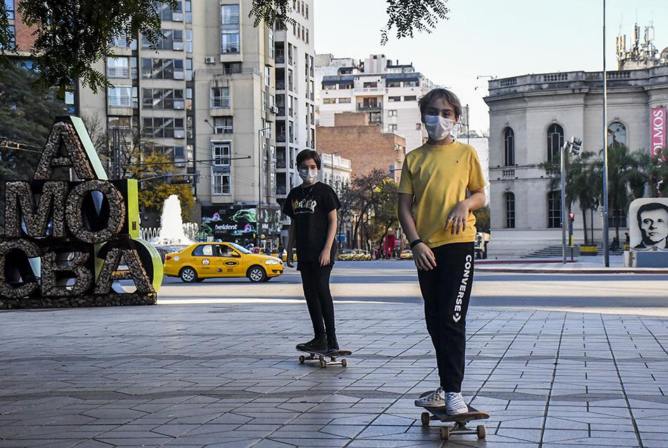 Schiaretti adelantó que a partir del martes se flexibilizarían nuevas actividades en Córdoba