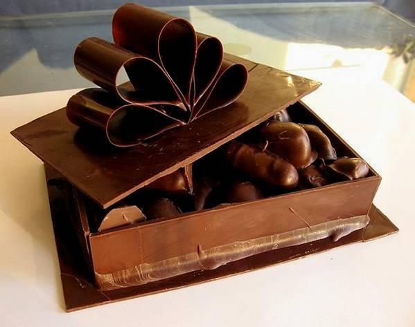 علب وأكواب من الشوكولاته تؤكل image003-780990.jpg