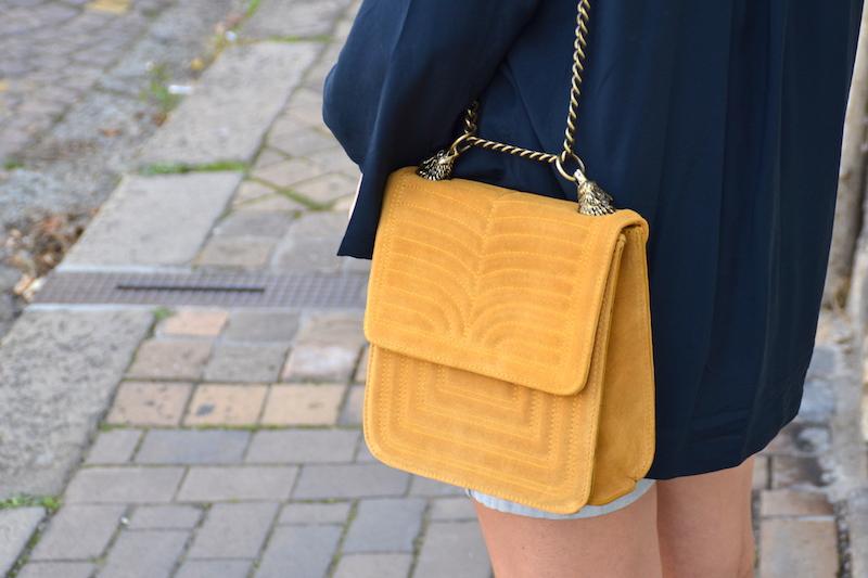 sac en daim jaune moutarde Zara