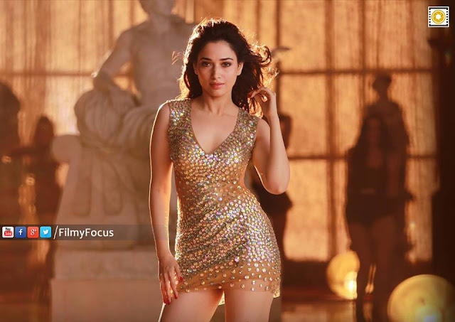 Tamanna Glamourous Look From Abhinetri Movie