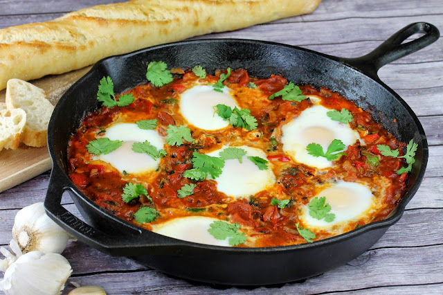 Shakshouka (Israeli Eggs With Tomatoes & Peppers) Recipes — Dishmaps