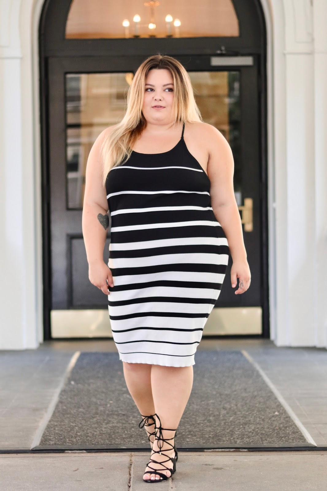 natalie in the city, fashion nova curve, fashion nova, affordable plus size clothing, back to school clothing, should curvy girls wear stripes, plus size stripes, how to wear horizontal stripes, make stripes flattering, curves and confidence, embrace my curves , plus size model, Chicago blogger, plus size fashion blogger