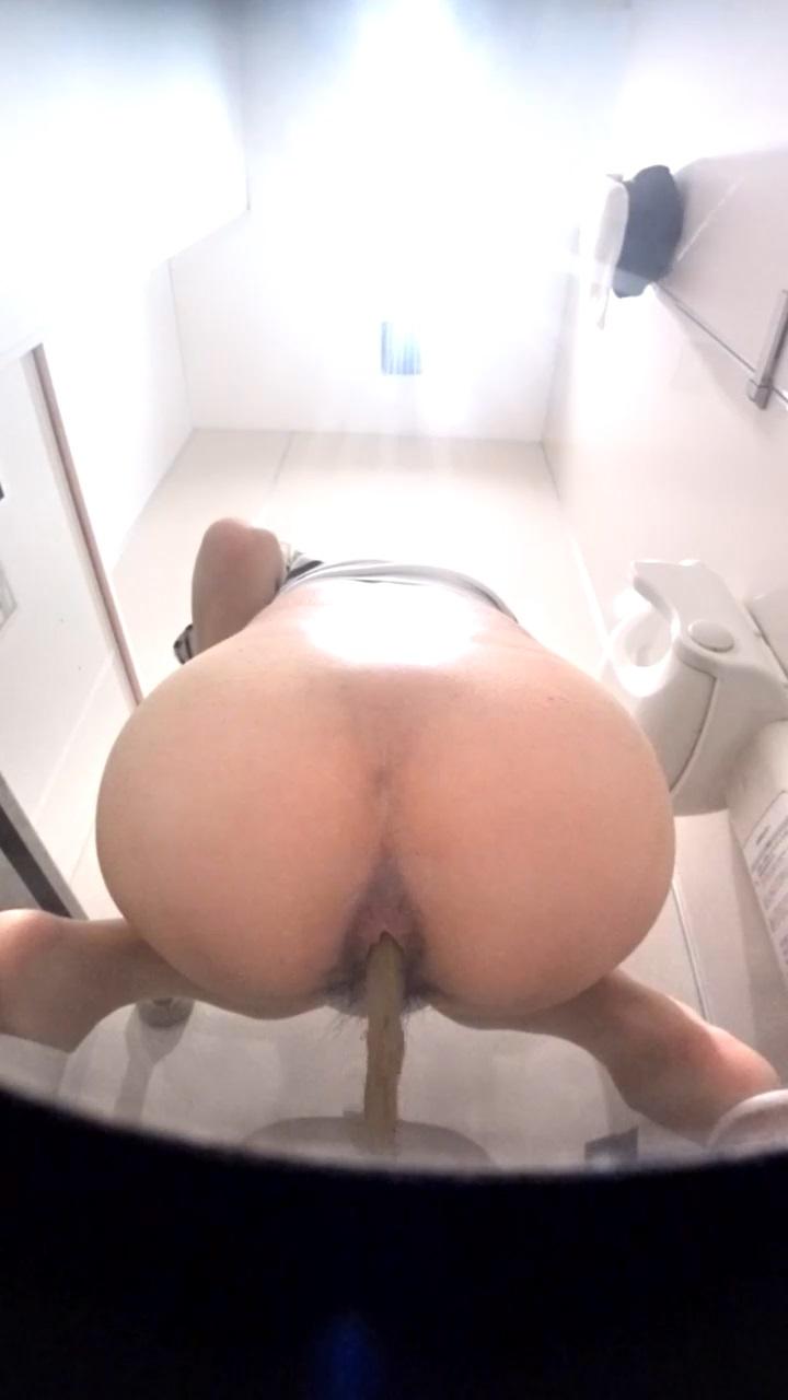 оргазм в туалете скрытая камера - 11