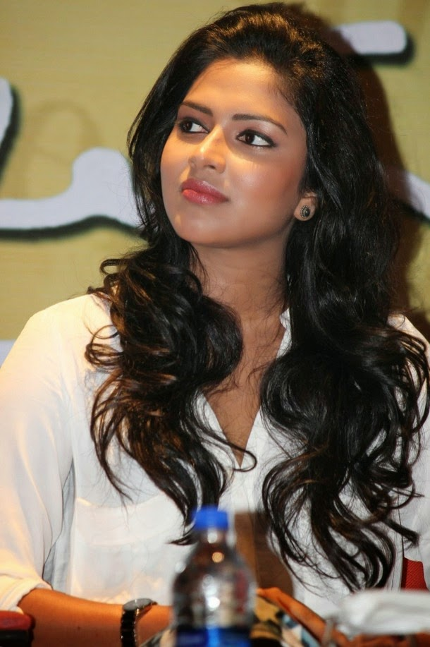 Amala Paul Hot Bra Show Stills From Vip Press Meet  World -6356