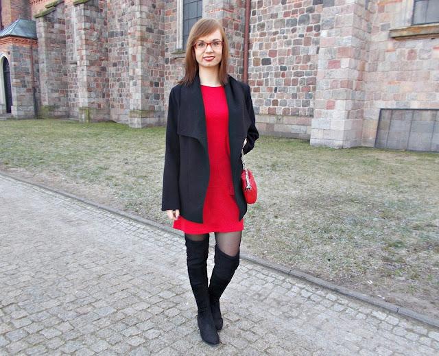 Czerwona mini sukienka