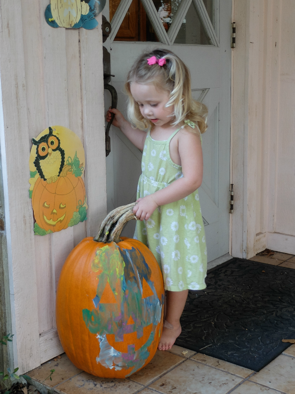 Halloween crafts, pumpkin, painters tape pumpkin face