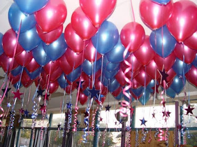 Balloon Decoration At Home   Birthday organizer   Theme Party         home For Birthday Parties  1  Ceiling balloons with stars and frills