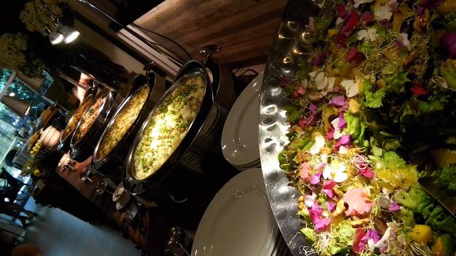 usanimals, happy garden cafe,