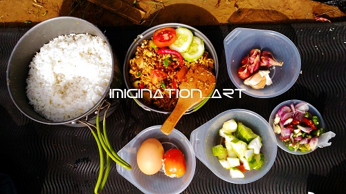 makan di Puncak Sakub